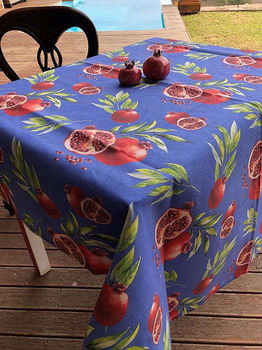 Table cloth Blue Pom 6 seater